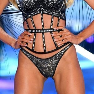 Victoria's Secret X Swarovski Thong Panty💝💖🖤